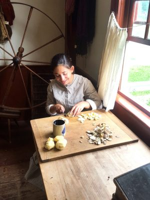 It takes alot of work to feed hungry farmers.  Our Jr interpreters help out at Lippitt Farmhouse.