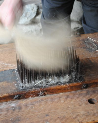 Here is a close up of the vertical nails of the hechel.